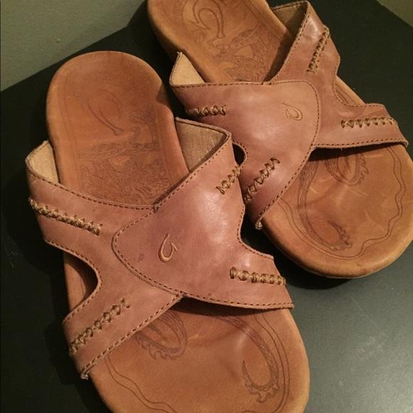 c4439466c7e OluKai MEA OLA SLIDES mens sandals Size 10. M 5b46c9e204e33dc61b8550f9